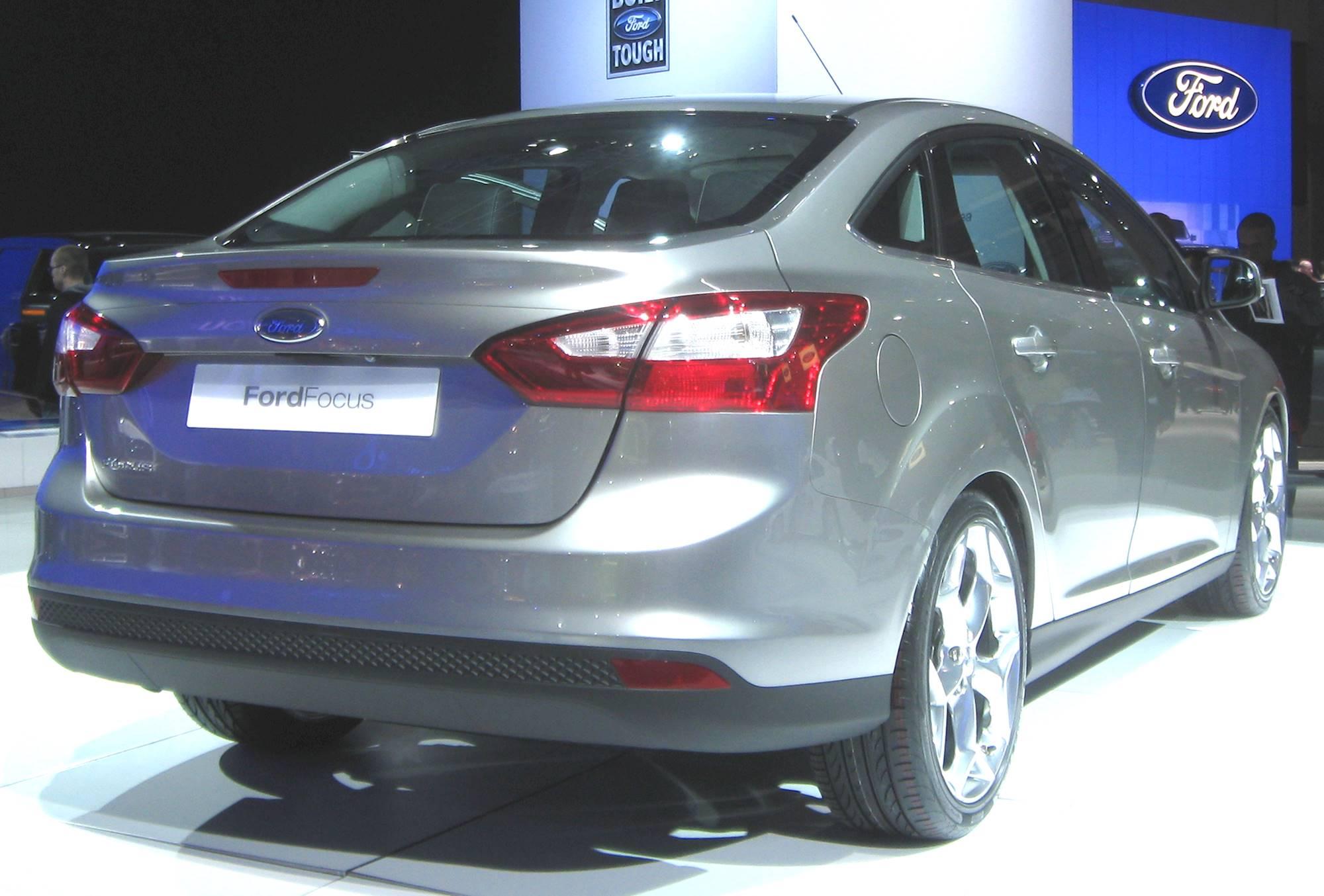 2012 ford focus se manual sedan