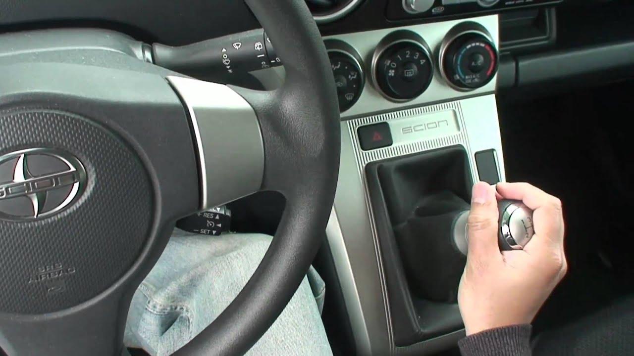 driving manual car in traffic