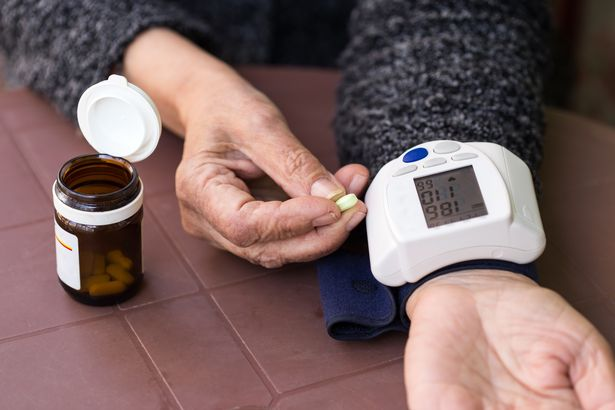 taking blood pressure manually video