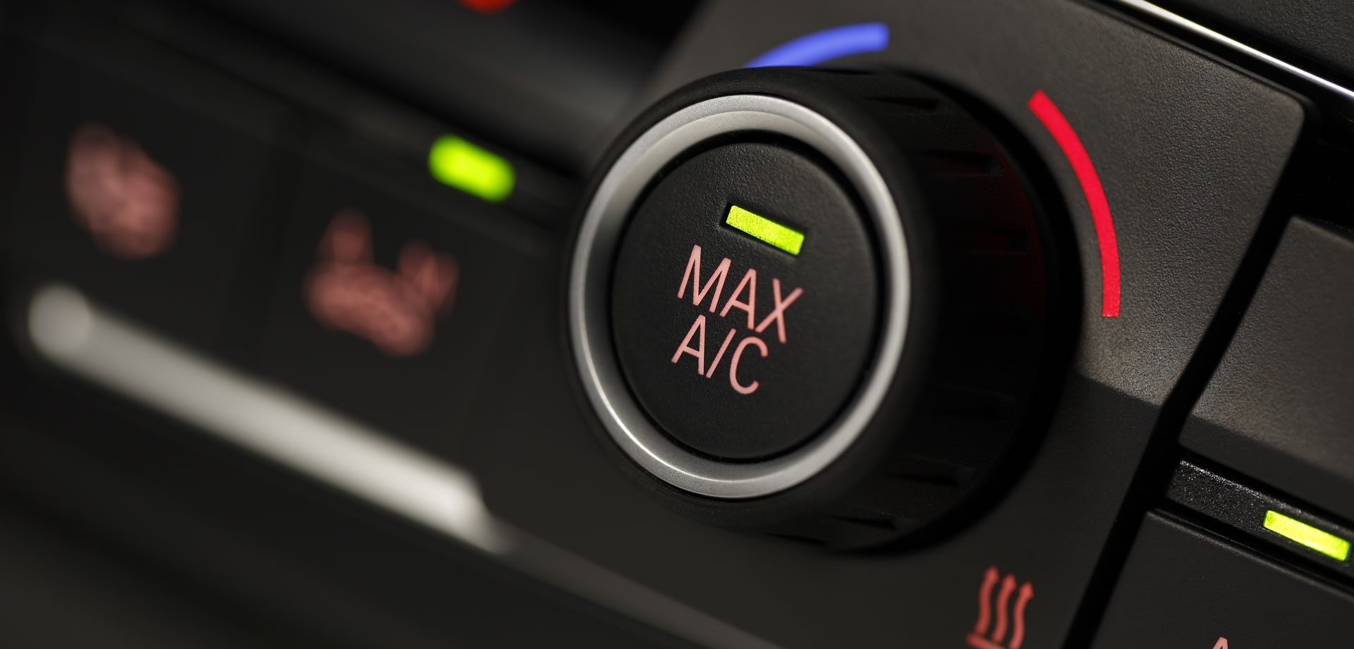 difference between manual and automatic air conditioning in cars