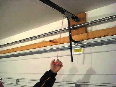how to manually close garage door