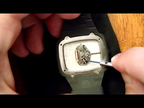 nixon the manual battery replacement